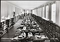 K48-013 3. Deichmanske Bibliotek. Hovedlesesalen. (10265354904).jpg