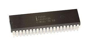 Der intel i8088 besitzt im vergleich zum i8086 nur einen 8 bit breiten