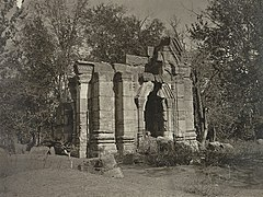 Kashmir village Hindu temple ruins, 1868 photo.jpg