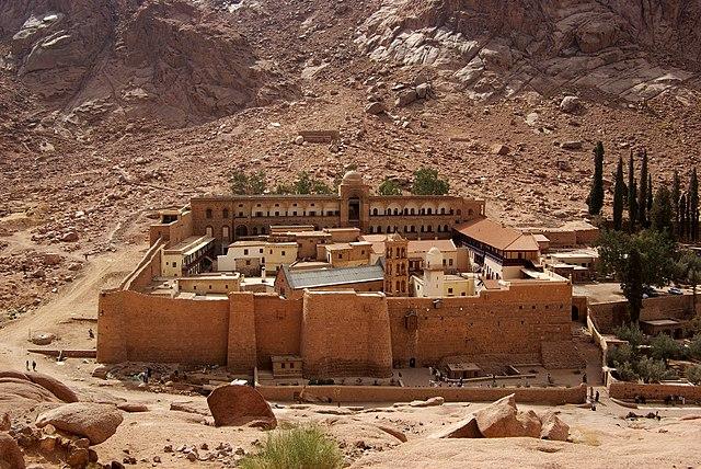 http://upload.wikimedia.org/wikipedia/commons/thumb/6/6b/Katharinenkloster_Sinai_BW_2.jpg/640px-Katharinenkloster_Sinai_BW_2.jpg?uselang=ru