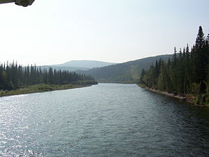 Klondike River crossing Dempster Highway 2.JPG