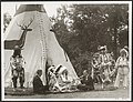 Koninklijk huis, prinsen, folklore, indianen, Bernhard, prins, Mcdougal Black Ho, Bestanddeelnr 016-0932.jpg