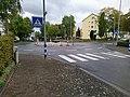 Kreisverkehr mit Kunstwerk in Eschborn.jpg