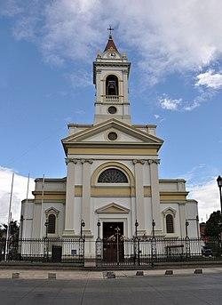La Catedral del Sagrado Corazón de Jesús, Punta Arenas (17118317426).jpg
