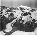 La Perouse Glacier, tidewater glacier and hanging glaciers, August 31, 1977 (GLACIERS 5581).jpg