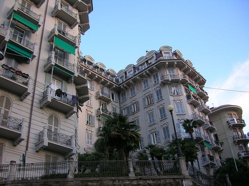 File la spezia palazzo casa mia 2 jpg wikipedia for Case la spezia