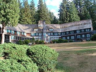 Lake Quinault - The Lake Quinault Lodge