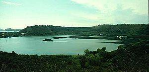 Lake Avernus - Image: Lave Avernus Curran