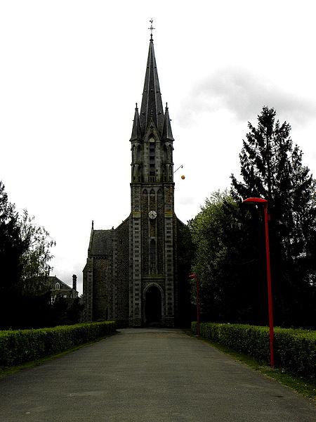 Église Saint-Martin à Le Pas (53). Façade principale.