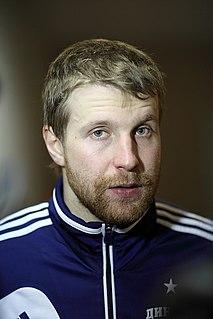 Leo Komarov ice hockey player