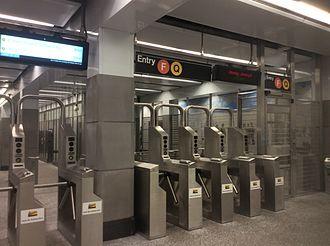 Lexington Avenue–63rd Street (63rd Street Lines) - Eastern fare control