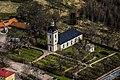 Linderås kyrka från luften.jpg