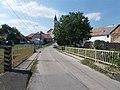 Liszt Ferenc utca, híd és templom, 2019 Ajka.jpg