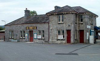 Llanelly Railway - Llandovery railway station building in 2011
