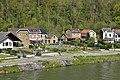 Lotissement plus récent le long de la Meuse (28720489113).jpg