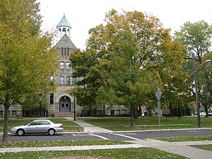 Berea, Ohio - Image: Lyceum Square Berea Ohio