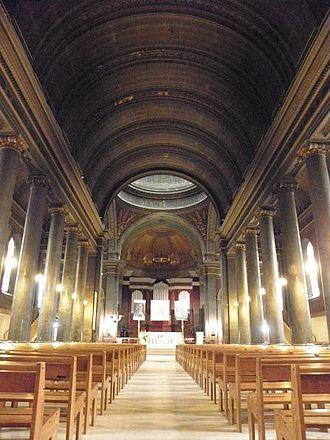Église Saint-Pothin - Interior of the church