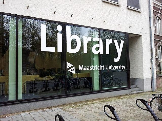 640px-Maastricht2015,_universiteitsbibliotheek_Nieuwenhofstraat.jpg (640×480)