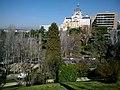 Madrid Jardines De Las Vistillas Vue Iglesia Santa María De La Almudena - panoramio.jpg