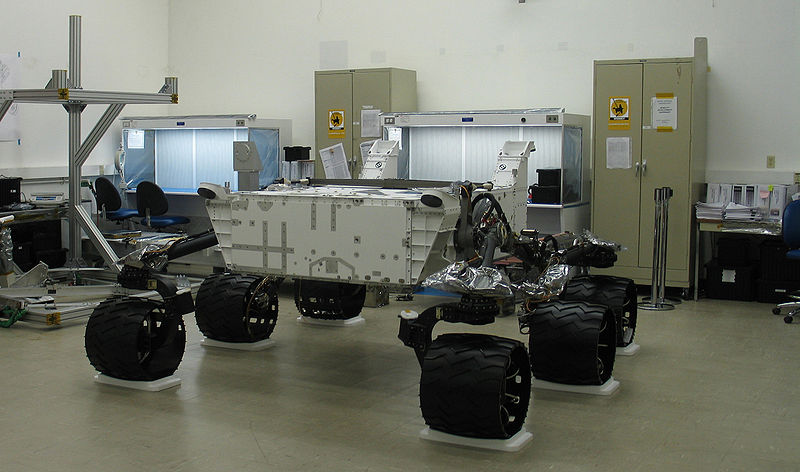 http://upload.wikimedia.org/wikipedia/commons/thumb/6/6b/Mars_Science_Laboratory_empty_chassis.jpg/800px-Mars_Science_Laboratory_empty_chassis.jpg