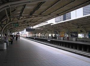 Masjid Jamek LRT station - Image: Masjid Jamek station (Sri Petaling Line), Kuala Lumpur (January 2007)