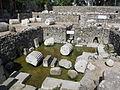 Mausoleo di alicarnasso, vasca rituale 03.JPG