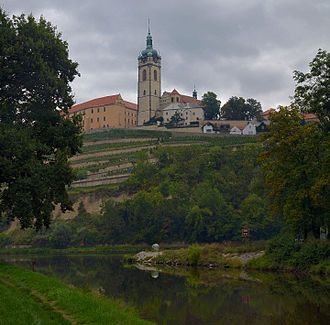 Mělník - Image: Melnik castle above the confluence of the rivers Vltava and Labe, Czech Republic