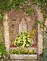 Michaelskirche Maudach Grotte.jpg