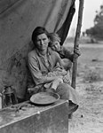 Migrant Mother sequence by Dorothea Lange, 8b29525u.jpg