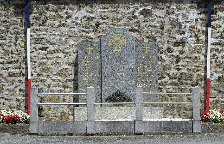 Monument aux morts de Poulay, commune de Montreuil-Poulay (53).