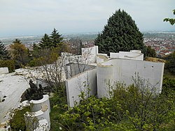 Monument Kosturnica - Strumcia (2).JPG