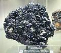 Mottramit - Mineralogisches Museum Bonn (7284).jpg