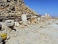 Mount Nemrud Tomb-sanctuary - panoramio.jpg
