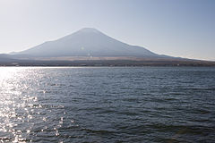 Mt.Fuji from Lake Yamanaka 04.jpg