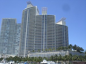 Murano Grande at Portofino - The Murano Grande at Portofino residential tower in Miami Beach. Photo: Marc Averette