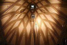 Interno della cupola: l'ascensore panoramico