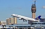 N509UA United Airlines Boeing 757-222 (cn 24763-284) (8089280474).jpg