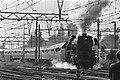 Nationale Stoomtreindag oude stoomlocomotief met trein vertrekt van CS Amsterda, Bestanddeelnr 932-9863.jpg