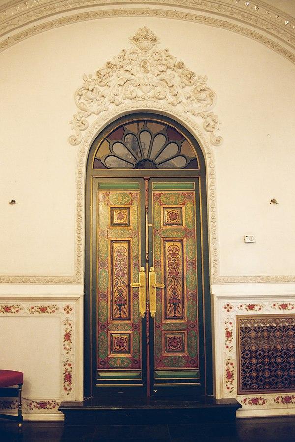 http://en.wikipedia.org/wiki/File:Niavaran_Palace_door.JPG