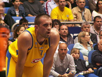 Nikola Vujčić - Vujčić while playing for Maccabi Tel Aviv, in 2006.