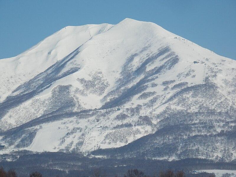File:Niseko-Annupuri.JPG