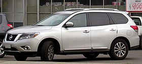 Nissan Pathfinder 3.5 Advance 4WD 2014.jpg