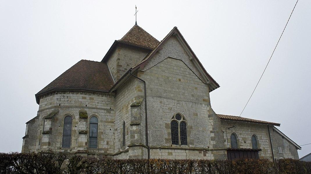 Côté Nord de l'église st-Martin de Dommartin sous Hans.