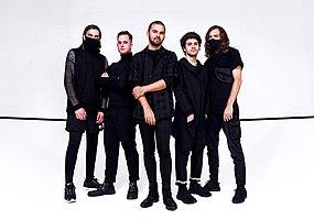 Northlane en 2019. De izquierda a derecha: Jon Deiley, Josh Smith, Marcus Bridge, Brendon Padjasek, Nic Pettersen