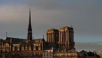 Notre-Dame 12-2018 Zoom.jpg