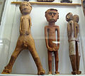 Nuova guinea, statue di spiriti e antenati 04.JPG