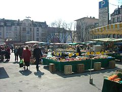 The market on Wilhelmsplatz