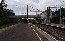 Oakleigh Park railway station MMB 03.jpg