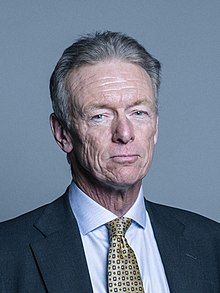 Official portrait of Lord Hogan-Howe crop 2.jpg