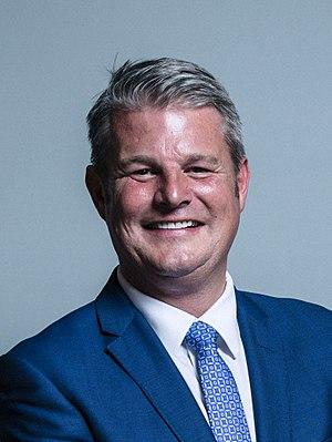 Stuart Andrew - Image: Official portrait of Stuart Andrew crop 2
